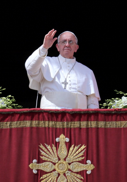 Architectural Feature「Pope Francis Attends Easter Mass and Urbi Et Orbi Blessing in St. Peter's Square」:写真・画像(16)[壁紙.com]