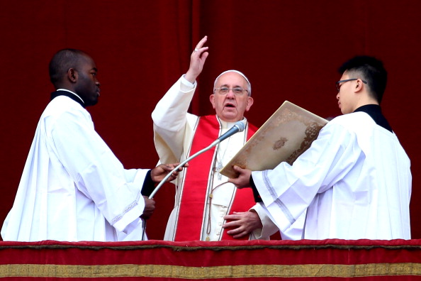 Architectural Feature「Pope Francis Delivers His Urbi et Orbi Blessing」:写真・画像(14)[壁紙.com]