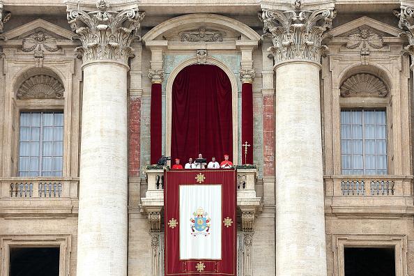 バシリカ「Pope Francis Delivers His Urbi Et Orbi Blessing」:写真・画像(17)[壁紙.com]