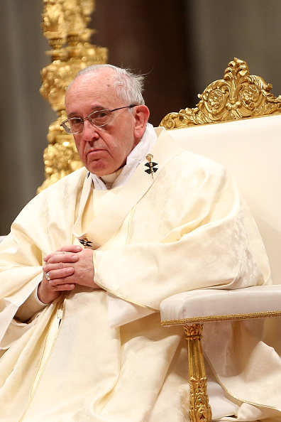 Franco Origlia「Pope attends Eucharist Celebration On The Feast of Our Lady of Guadalupe」:写真・画像(15)[壁紙.com]
