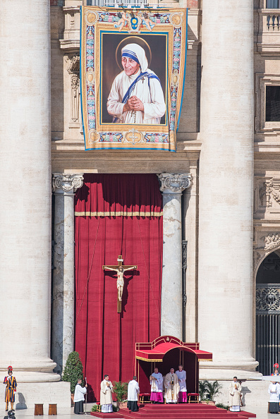 Religious Mass「Mother Teresa Is Canonised By Pope Francis At The Vatican」:写真・画像(5)[壁紙.com]