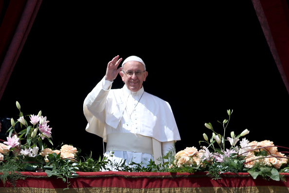 Franco Origlia「Pope Francis Holds The Easter Mass and Delivers His Urbi Et Orbi Blessing」:写真・画像(15)[壁紙.com]