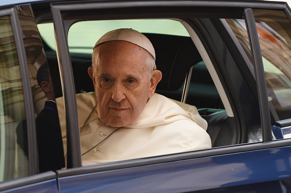 Pope「Pope Francis Meets Dignitaries At Dublin Castle」:写真・画像(13)[壁紙.com]