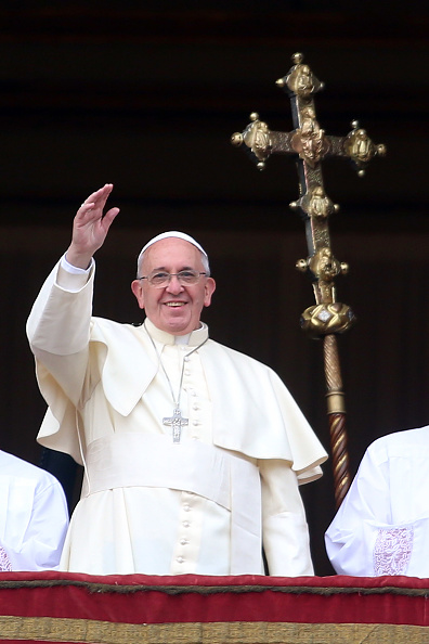 Architectural Feature「Pope Francis Delivers His Urbi et Orbi Blessing」:写真・画像(15)[壁紙.com]