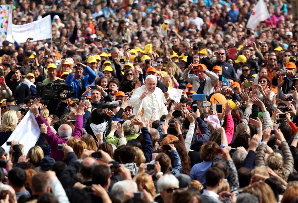Franco Origlia「Pope Francis Attends His Weekly Audience at St Peters Square」:写真・画像(17)[壁紙.com]
