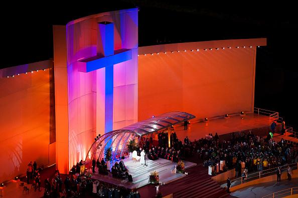 Religious Mass「Pope Francis Celebrates Mass On Copacabana Beach」:写真・画像(5)[壁紙.com]