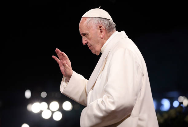 Pope Francis Leads The Stations of The Cross At The Colosseum:ニュース(壁紙.com)