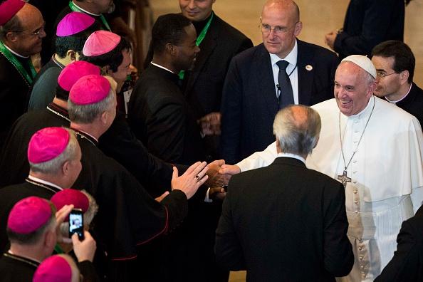 Large Group Of People「Pope Francis Visits Saint Charles Borromeo Seminary To Address International Bishops」:写真・画像(9)[壁紙.com]