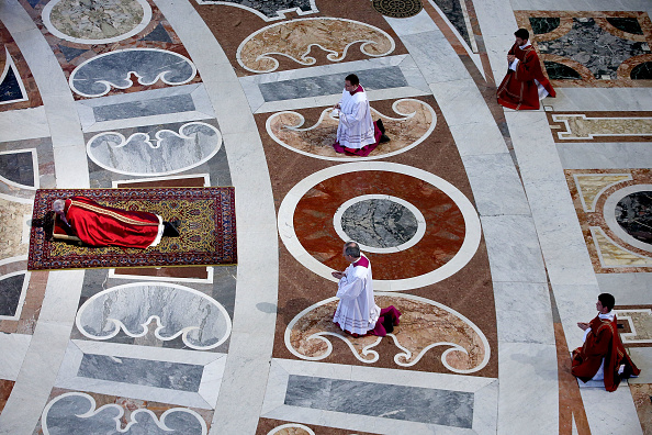 Holy Week「Pope Francis Holds The Celebration Of The Lord's Passion」:写真・画像(8)[壁紙.com]