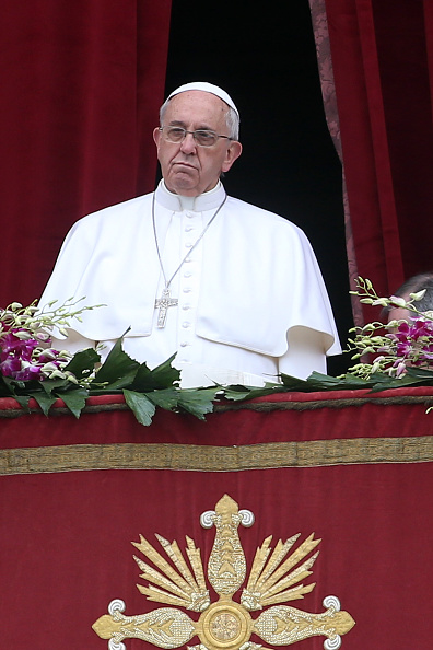 Religious Mass「Pope Attends The Easter Mass and Delivers His Urbi Et Orbi Blessing」:写真・画像(10)[壁紙.com]
