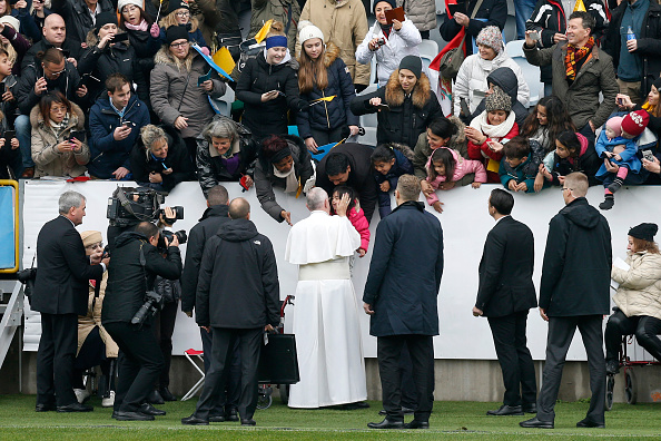 Large Group Of People「Pope Francis Visits Sweden - Day 2」:写真・画像(8)[壁紙.com]