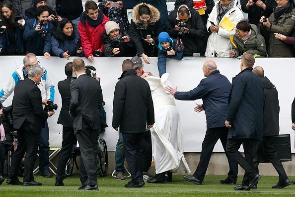 Large Group Of People「Pope Francis Visits Sweden - Day 2」:写真・画像(7)[壁紙.com]