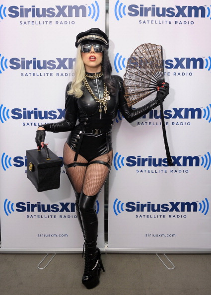 服装「Lady Gaga Visits 'The Morning Mash Up' On SiriusXM Hits 1」:写真・画像(8)[壁紙.com]