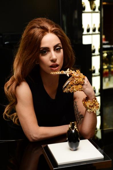 Fame「Lady Gaga Launches Debut Fragrance, Fame At Harrods, London」:写真・画像(15)[壁紙.com]