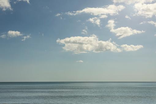 Devon「Blue sea with clouds and sunshine」:スマホ壁紙(15)