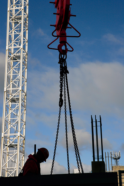 Chain - Object「Tower cranes with silhouette of a construction worker and pulley lifting attachment」:写真・画像(11)[壁紙.com]