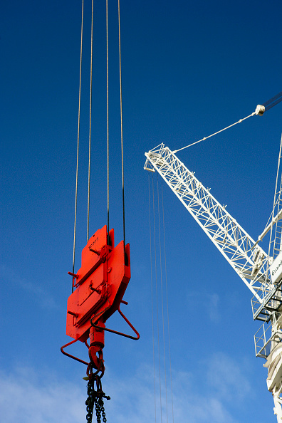 Pulley「Tower cranes with pulley lifting attachment and cables」:写真・画像(4)[壁紙.com]