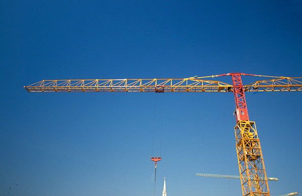 Copy Space「Tower crane on deep blue sky」:写真・画像(18)[壁紙.com]