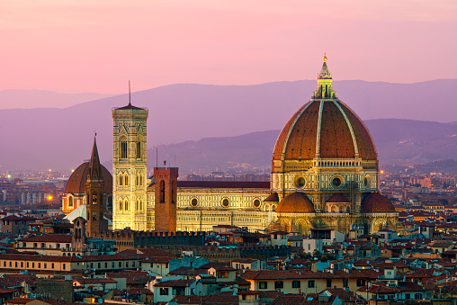 Tuscany「Florence, Duomo Santa Maria del Fiore at dusk」:スマホ壁紙(12)