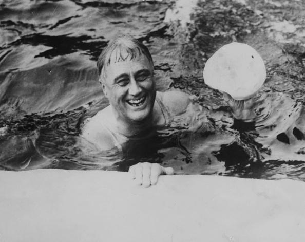 Swimming「Franklin D Roosevelt」:写真・画像(6)[壁紙.com]