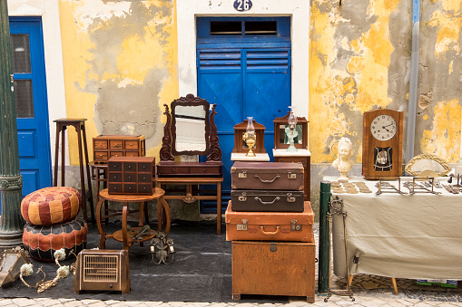 Second Hand Sale「Furniture for sale at flea market, Aveiro, Portugal」:スマホ壁紙(16)