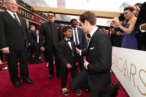 Bow Tie「89th Annual Academy Awards - Red Carpet」:写真・画像(16)[壁紙.com]