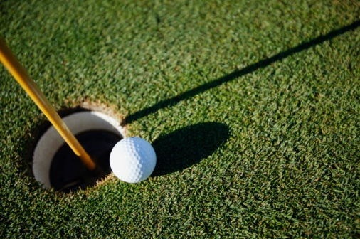 Putting - Golf「Golf ball close to pin」:スマホ壁紙(6)