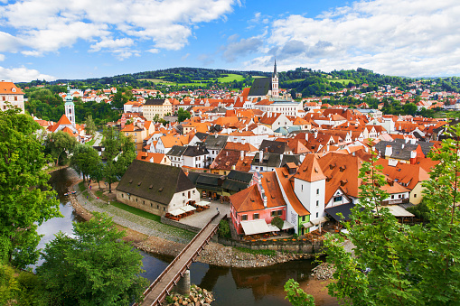 UNESCO World Heritage Site「View of old Bohemian city Cesky Krumlov, Czech Republic」:スマホ壁紙(10)