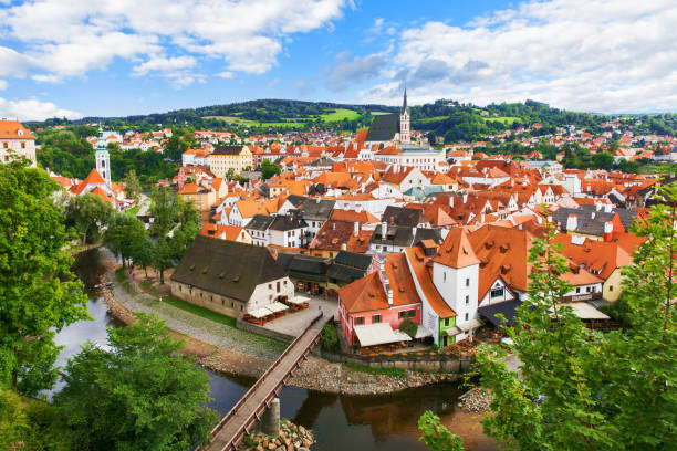 View of old Bohemian city Cesky Krumlov, Czech Republic:スマホ壁紙(壁紙.com)