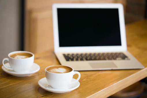 Coffee Break「Coffee and laptop on the table」:スマホ壁紙(17)
