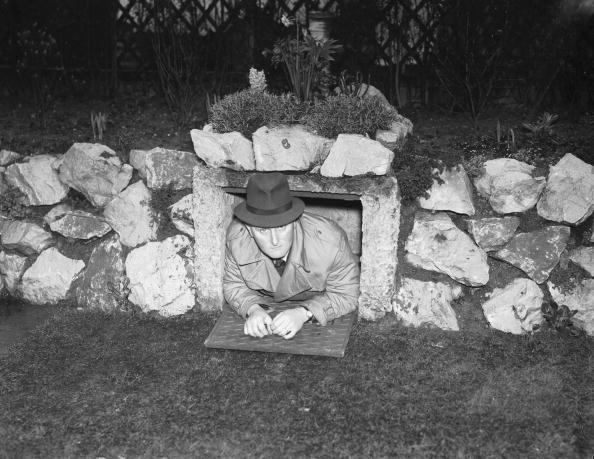Ornamental Garden「Air Raid Shelter」:写真・画像(8)[壁紙.com]