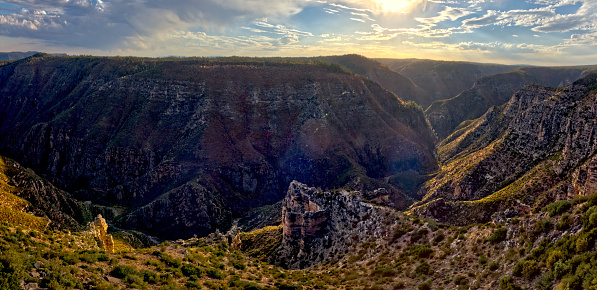 Kaibab National Forest「Sycamore Canyon's Abyss, Kaibab National Forest, Arizona, USA」:スマホ壁紙(10)
