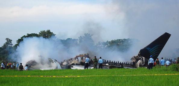 Crash「Indonesian Jet Bursts Into Flames Upon Landing」:写真・画像(17)[壁紙.com]