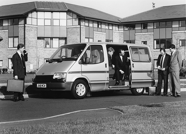 On The Move「1991 Ford Transit V.I.P. Minibus With Indiana Conversion. Creator: Unknown.」:写真・画像(11)[壁紙.com]