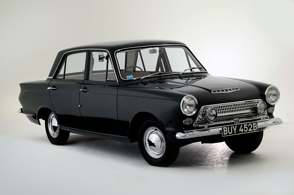 Black Color「1962 Ford Consul Cortina Deluxe」:写真・画像(19)[壁紙.com]