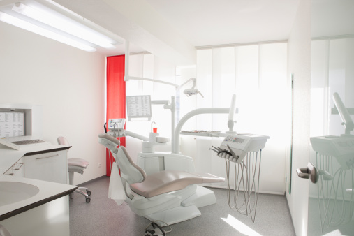 Dental Health「Germany, Dentist chair and equipment in dental office」:スマホ壁紙(18)
