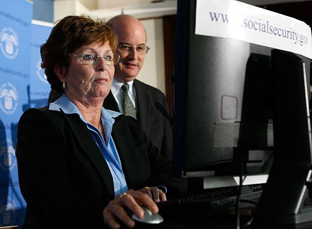 """First """"Baby Boomer"""" Files For Social Security Retirement Benefits:ニュース(壁紙.com)"""