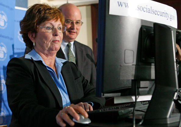 "Michael Astrue「First ""Baby Boomer"" Files For Social Security Retirement Benefits」:写真・画像(19)[壁紙.com]"