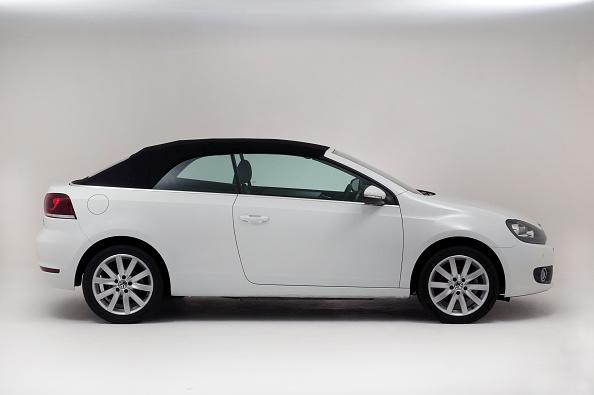 Caucasian Ethnicity「2011 VW Golf Tdi Cabriolet」:写真・画像(1)[壁紙.com]