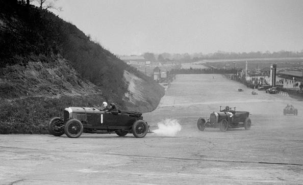 Motorsport「Bentley of Tim Birkin and Austro-Daimler of Edgar Fronteras, BARC meeting, Brooklands, 1930」:写真・画像(12)[壁紙.com]