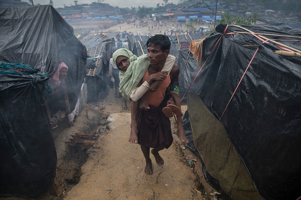 Paula Bronstein「Rohingya Refugees Flood Into Bangladesh」:写真・画像(2)[壁紙.com]