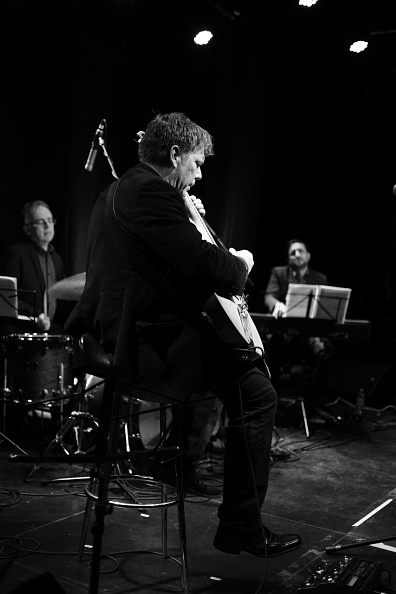 爪弾く「Nigel Price At South Coast Jazz」:写真・画像(18)[壁紙.com]