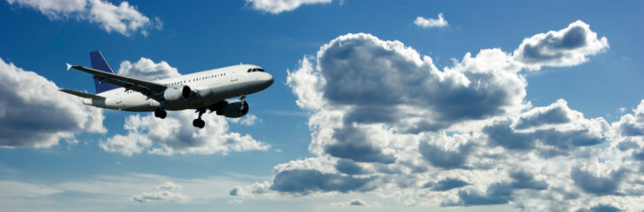 Passenger「Airplanes Flying in a Blue Cloudy Sky, Side View」:スマホ壁紙(2)