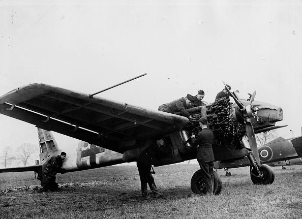 Fred Morley「Heinkel Warplane」:写真・画像(7)[壁紙.com]