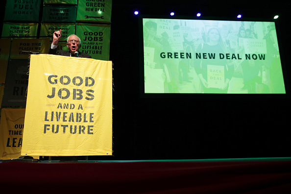 Environment「Alexandria Ocasio-Cortez  And Bernie Sanders Attend Green New Deal Rally At Howard University」:写真・画像(16)[壁紙.com]