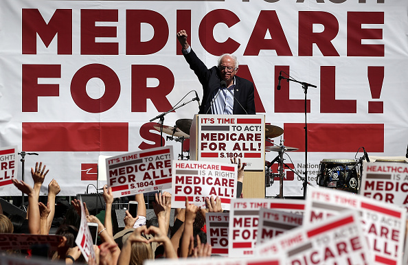 Bernie Sanders「Bernie Sanders Discusses Medicare For All Bill In San Francisco」:写真・画像(15)[壁紙.com]