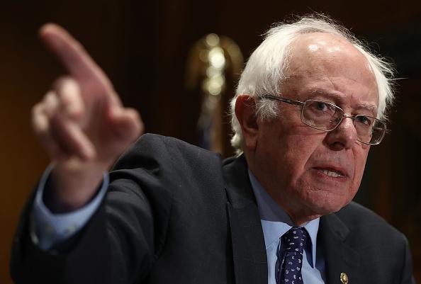 Insurance「Sen. Sanders, Schumer, And House Minority Leader Pelosi Present Petition Demanding Trump And GOP Not Change Medicare Benefits」:写真・画像(19)[壁紙.com]