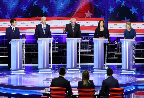 Debate「Democratic Presidential Candidates Participate In First Debate Of 2020 Election Over Two Nights」:写真・画像(2)[壁紙.com]