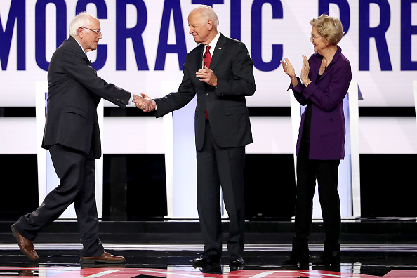 Win McNamee「Democratic Presidential Candidates Participate In Fourth Debate In Ohio」:写真・画像(12)[壁紙.com]