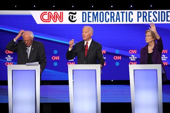 Win McNamee「Democratic Presidential Candidates Participate In Fourth Debate In Ohio」:写真・画像(16)[壁紙.com]